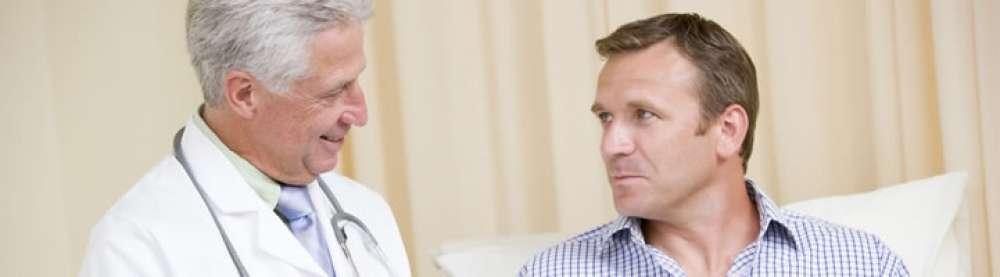 Aelterer Arzt Patient 91939d8f 6e4e3d30@1000w2x